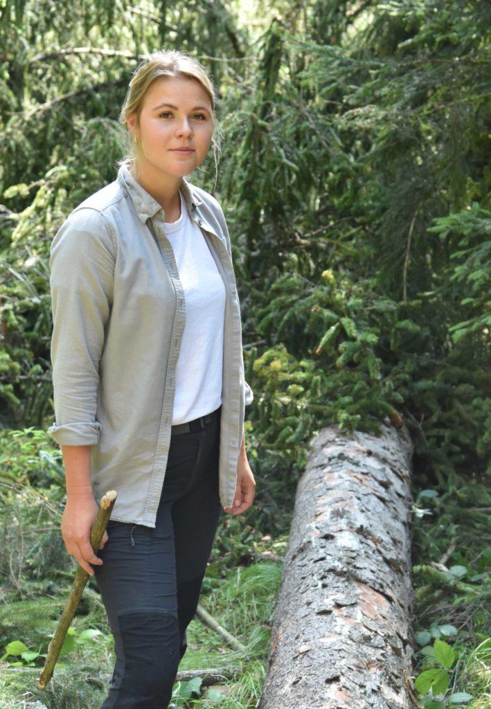 Elena Schmidtmeyer im Wald